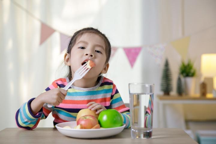 Pencernaan Sehat Penting untuk Dukung Perkembangan Otak Anak