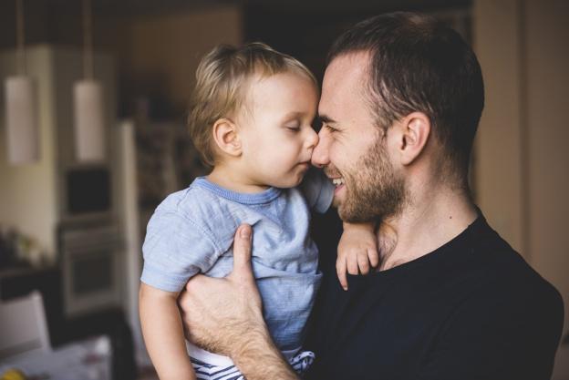 Bayi yang Mirip Dengan Ayahnya Tumbuh Lebih Sehat