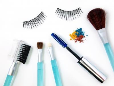 9 Bahan Kosmetik yang Harus Dihindari Ibu Hamil