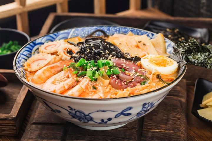 5 Rekomendasi Restoran Ramen Lezat dan Halal di Jakarta