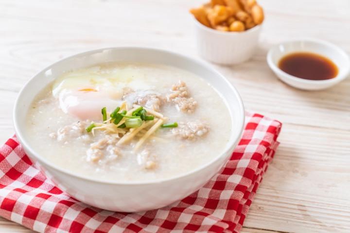 5 Cara Mudah Membuat Bubur Nasi yang Lembut