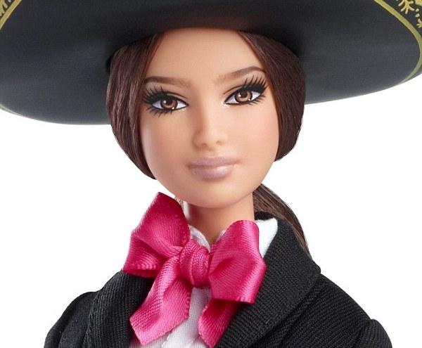 Arriba! Barbie Meksiko, Teman Baru Si Kecil