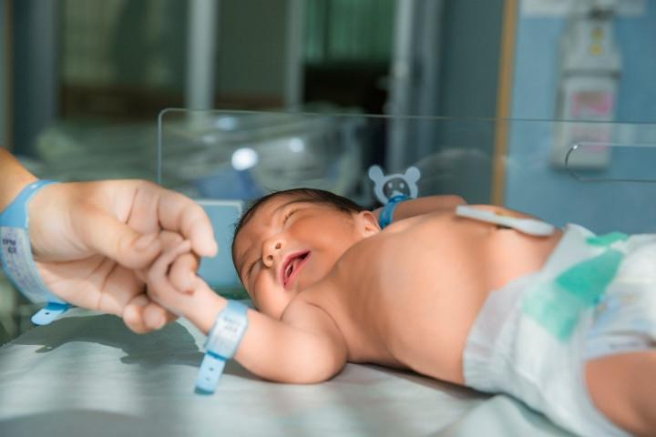 Tips Dokter Anak dalam Merawat Kesehatan Bayi Prematur