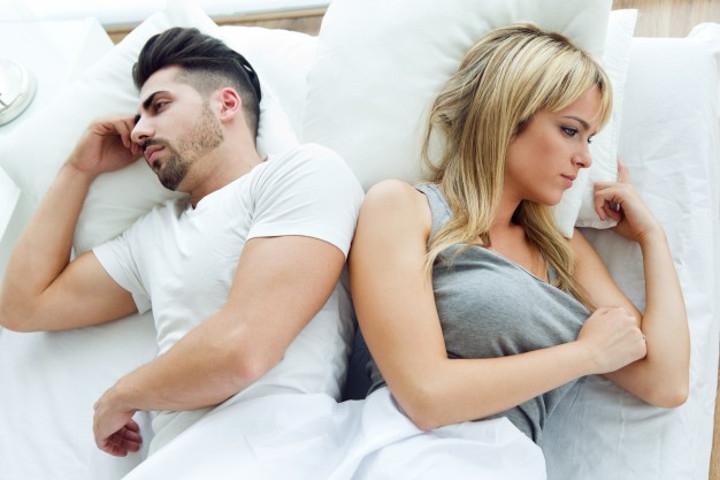 7 Tanda Pasangan Anda Tak Menikmati Hubungan Seks