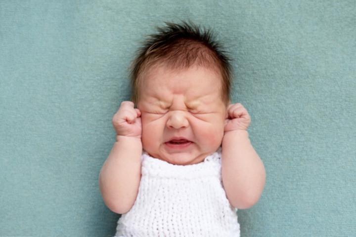 5 Alasan yang Bikin Bayi Sering Terbangun di Malam Hari