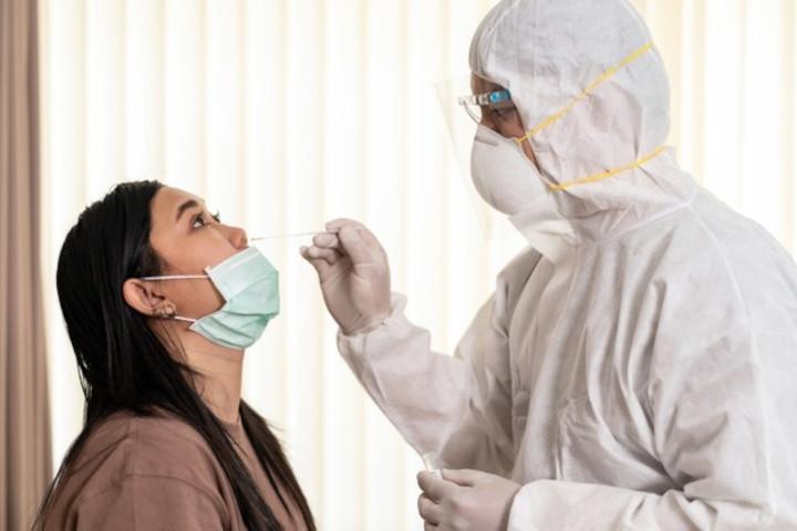 Jangan Lakukan Tes Swab Antigen Sendiri, Ini Bahayanya!