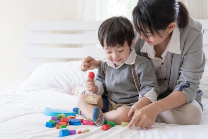 Moms, Yuk Bantu si Kecil Mengenal Bentuk dan Ukuran!