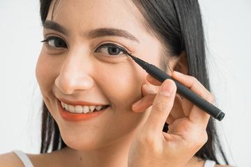 8 Rekomendasi Eyeliner Spidol Lokal yang Cocok untuk Pemula