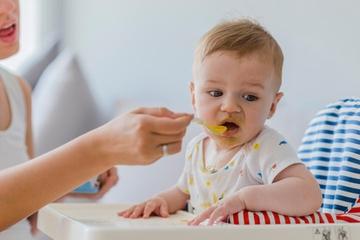 Bayi Menolak saat Diberikan MPASI, Ini Alasannya, Moms